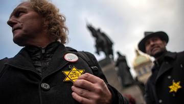 Antyszczepionkowcy wykorzystali symbol gwiazdy Dawida. Społeczność żydowska protestuje