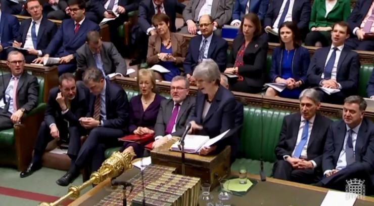 Izba Gmin zagłosuje dziś nad ośmioma opcjami ws. brexitu. May gotowa podać się do dymisji