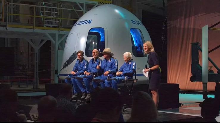 USA: Jeff Bezos i Richard Branson nie są jeszcze astronautami. Zmieniono przepisy w dzień lotu