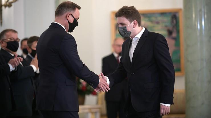 Prezydent Andrzej Duda odznaczył arcymistrza Jana-Krzysztofa Dudę Złotym Krzyżem Zasługi