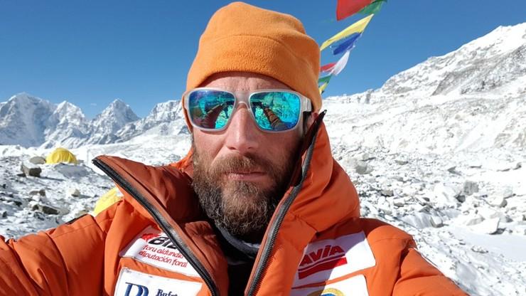 Alex Txikon atakuje Everest bez użycia tlenu z butli. 38 lat temu szczyt zdobyli Cichy i Wielicki