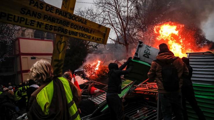"""Francja: dziennikarze telewizji BFMTV nie chcą relacjonować akcji """"żółtych kamizelek"""""""
