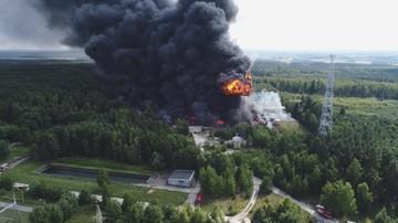 """Areszt dla właściciela spółki prowadzącej """"dzikie"""" składowisko w Jakubowie. Po pożarze chemikaliów"""