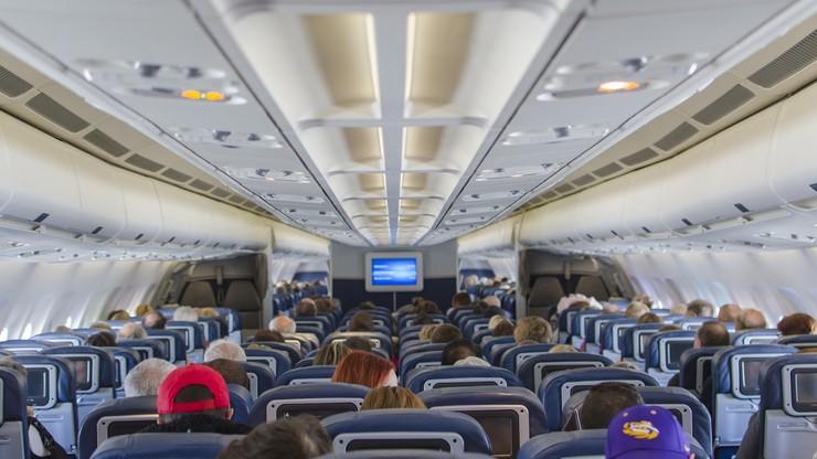 Rządowe dokumenty USA z symulacją ataku biologicznego znalezione na pokładzie samolotu