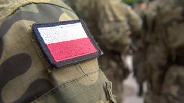 Żołnierze podejrzani ws. nielegalnego handlu bronią i sutenerstwa. Prokuratura stawia zarzuty