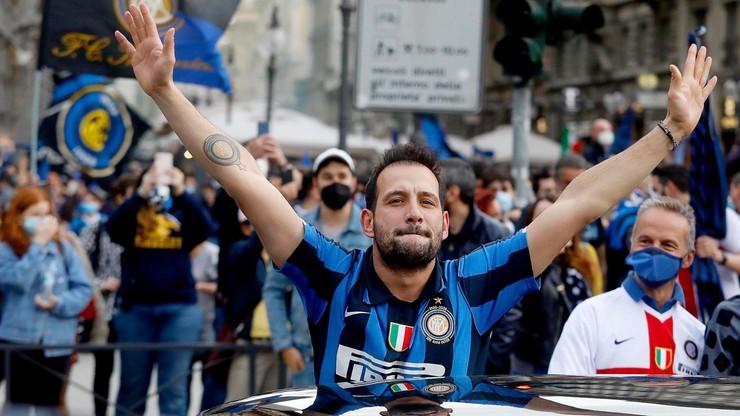 Włochy. Wirusolodzy załamują ręce po ekscesach kibiców w Mediolanie