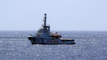 27 nieletnich migrantów opuściło statek Open Arms. Rezultat porozumienia Salviniego z Conte