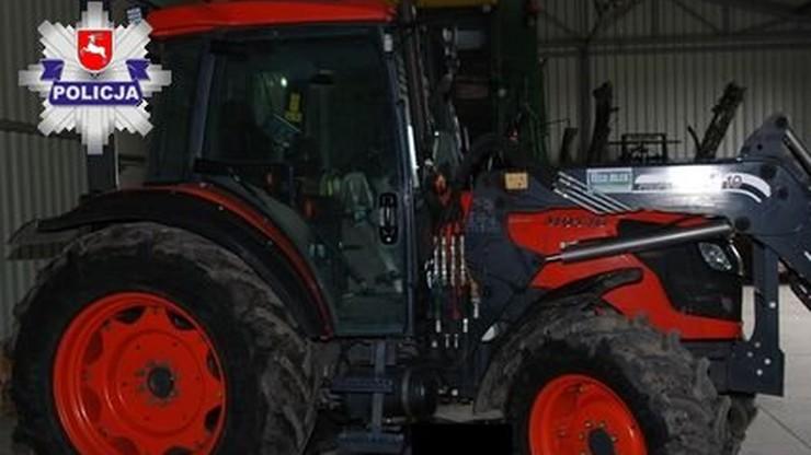 Nie zauważył synka i przejechał po nim traktorem. Dziecko zmarło