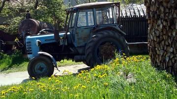 """Pijani 16-latkowie wybrali się traktorem na """"wycieczkę"""". Odpalili go śrubokrętem"""