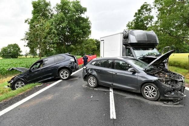 Łącznie pojazdami podróżowało czternaście osób