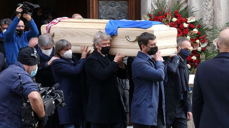 W trakcie pogrzebu Paolo Rossiego okradziono jego dom