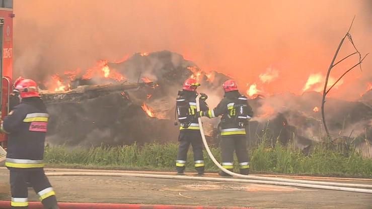 Wnioski o areszt dla podejrzanych o podpalenie składowiska opon w Trzebini