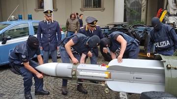 Karabiny, swastyki i... rakieta powietrze-powietrze. Zatrzymano włoskich neonazistów