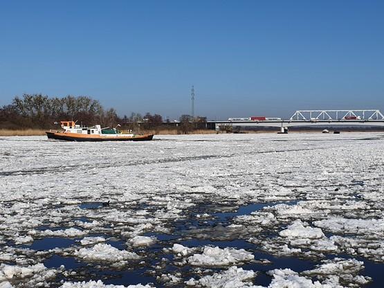 Zator lodowy w pobliżu Płocka został rozbity