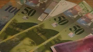 MFW: przewalutowanie kredytów i obniżenie wieku emerytalnego mogą uderzyć w polską gospodarkę