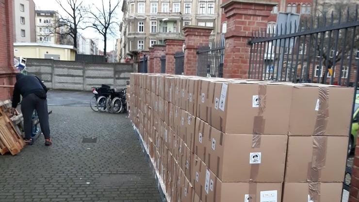 Na granicy z Ukrainą zatrzymano 300 paczek z darami. Teraz trafią do potrzebujących w Polsce