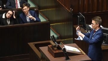 """""""Dyskutują przez obrażanie, kontrują przez straszenie"""". Psycholodzy o obradach Sejmu Dzieci i Młodzieży"""