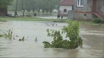 """Ewakuacja z podtopionych miejscowości w Małopolsce. """"Nikt nie zostanie bez pomocy"""""""