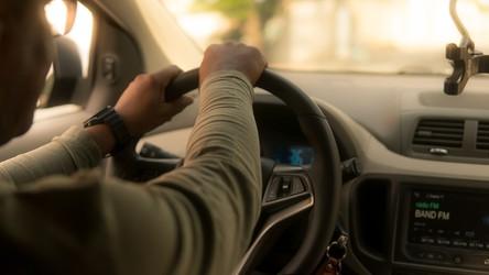 Uber i Lyft ruszają z darmowymi dojazdami na szczepienie przeciw COVID-19