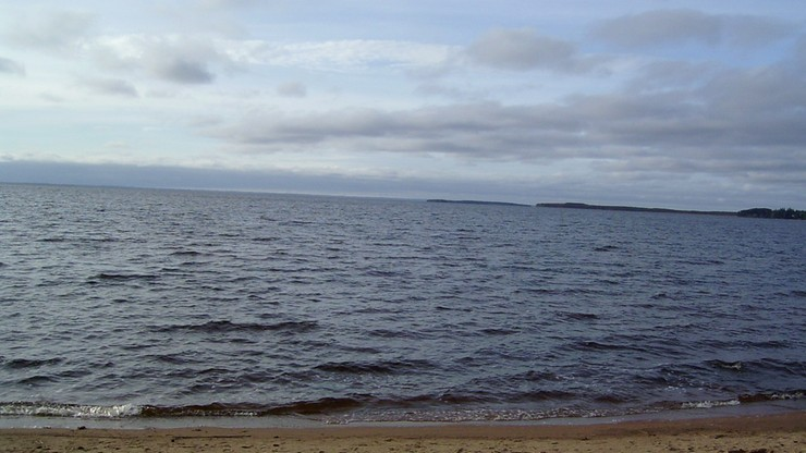 Tragedia na jeziorze w Karelii, utonęło 14 dzieci