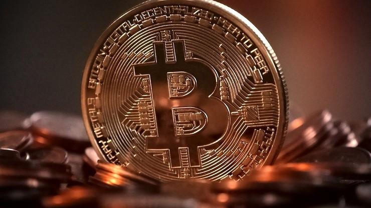 Kryptowaluty. Bitcoin drożeje i rozpala namiętności