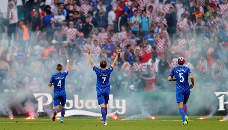 UEFA ukarała Chorwację za wyskoki kibiców