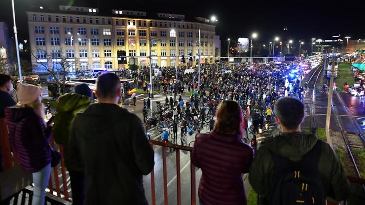 Protesty po wyroku TK ws. aborcji. Demonstracje odbyły się m.in. w  Warszawie i Krakowie