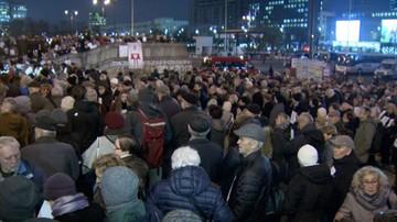 Marsz pamięci Piotra Szczęsnego, który dokonał samospalenia przed Pałacem Kultury i Nauki
