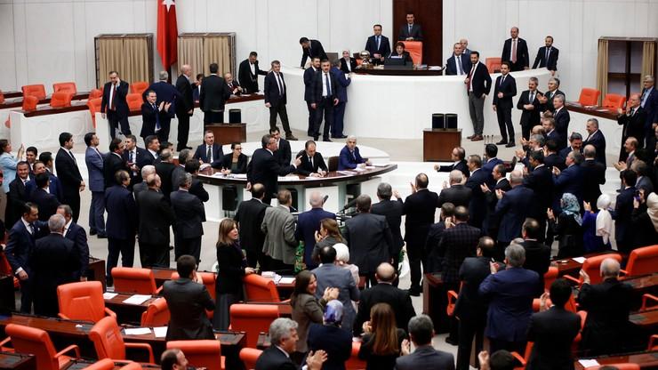 Turcja: parlament zgodził się na system prezydencki; referendum wiosną