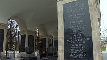 """""""Upamiętniani są czekiści"""". Prezes ukraińskiego IPN o tablicach na Grobie Nieznanego Żołnierza"""