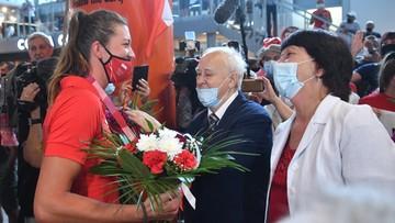 Tokio 2020: Polskie wicemistrzynie olimpijskie wróciły do kraju. Przywitały ich tłumy (ZDJĘCIA)