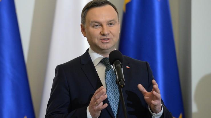 """""""PiS zrezygnowało ze swej propozycji ws. dziennikarzy w parlamencie"""" - twierdzi prezydent"""
