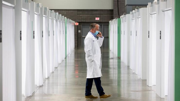 Koronawirus w USA. Dwukrotny wzrost dobowej liczby zgonów