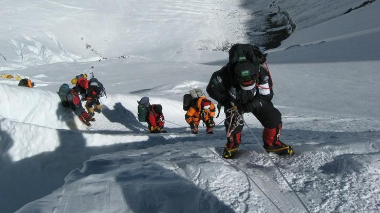 Zdjęcia na Mount Everest. Nowe przepisy