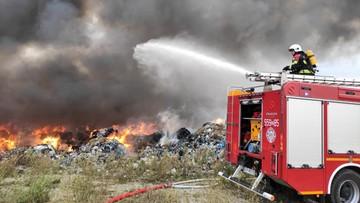 """Pożar składowiska odpadów. """"Ogień objął obszar o powierzchni pół hektara"""""""