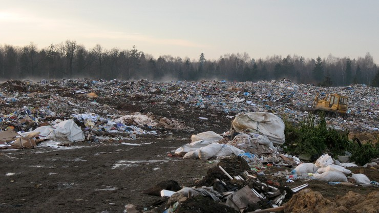 Lwów nie radzi sobie ze śmieciami. Mieszkańcom grożą infekcje żołądkowe