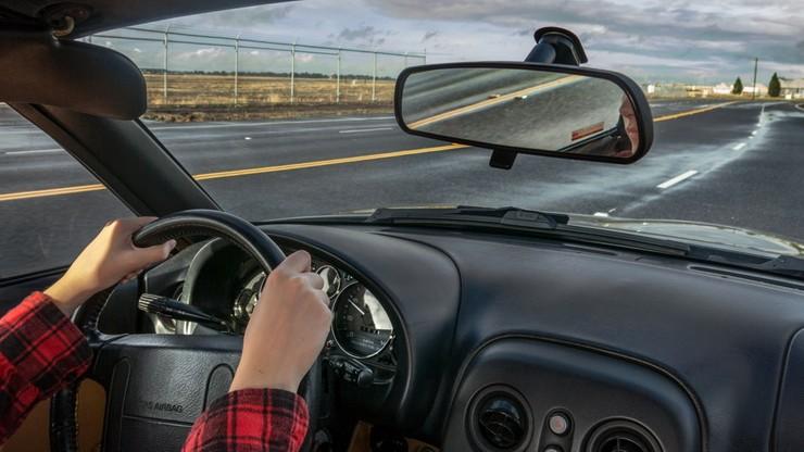 Zmiany w prawie o ruchu drogowym. Jazda bez dowodu rejestracyjnego i OC będzie legalna