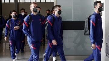 Wybuchowy poranek Barcelony! Kibice PSG zrobili to przed hotelem (WIDEO)