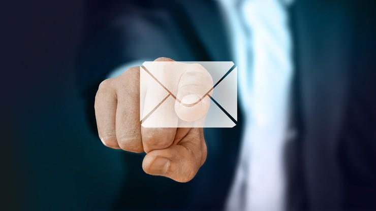 """""""Rz"""": poczta dostarczy e-maile zamiast listów poleconych"""