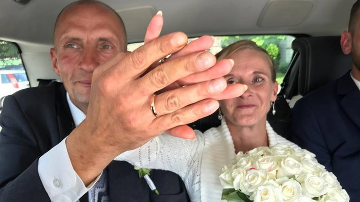 Bezdomni wzięli ślub, o jakim nawet nie ośmielili się marzyć. Pomogli ludzie dobrego serca