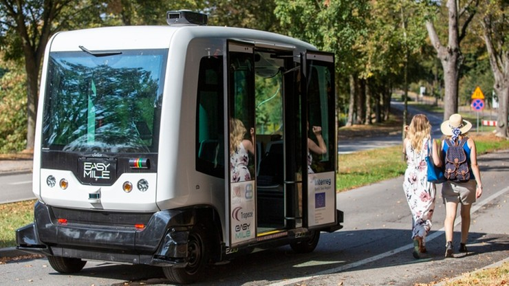 Na polskie drogi wyjeżdżają auta bez kierowców