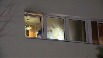 Makabryczne odkrycie w Warszawie. Strażacy znaleźli w mieszkaniu zwłoki bez głowy