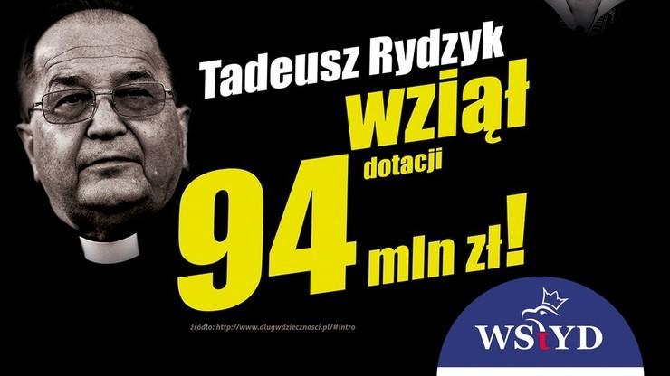 """Dwa pudła doniesień na PO za billboard z o. Rydzykiem i napis, że """"wziął 94 mln zł dotacji"""""""