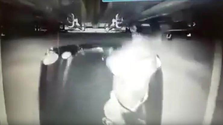 Próbował okraść tira podczas jazdy. Nagrała go kamera cofania