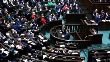 """""""Wybór między niezależnymi sądami a samosądami jednej partii"""". Projekt o SN do komisji"""