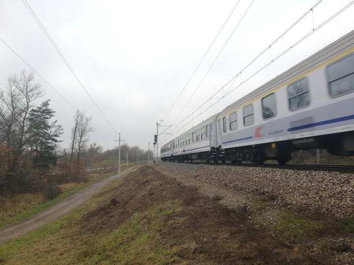 Szlakiem przecinającym Nowy Dwór Mazowiecki codziennie przejeżdżają dziesiątki pociągów. Ich pasażerowie mogą nie wiedzieć, że mijają miejsce owiane kolejową tajemnicą