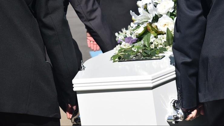 Wrócił do domu dwa miesiące po swoim pogrzebie