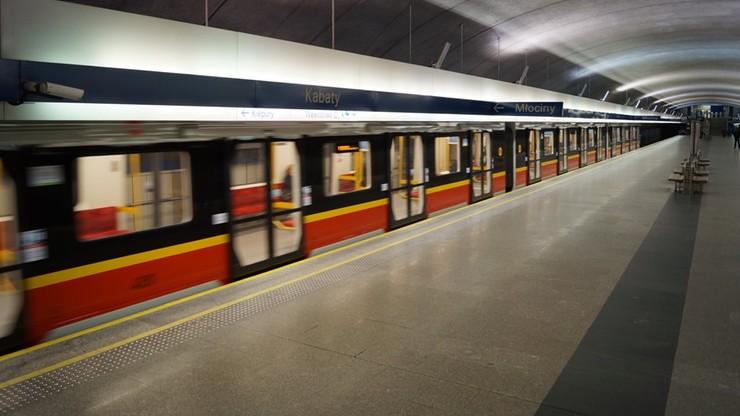 Warszawa. Wracają nocne kursy metra. Tramwaje będą jeździć częściej