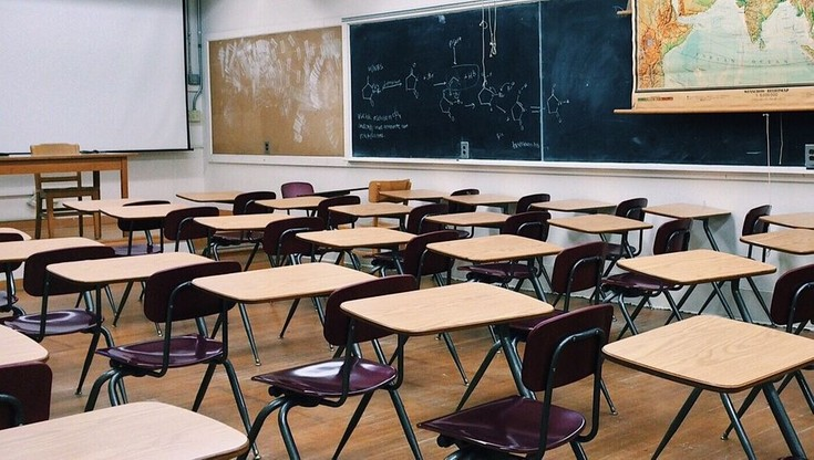 Posłowie poprowadzą lekcje w szkołach. Będą uczyć wiedzy o społeczeństwie