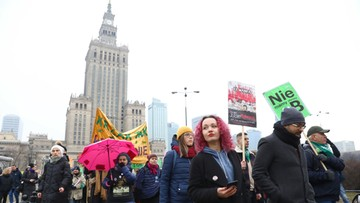 """Warszawska Manifa na ulicach stolicy. """"Trzymam stronę kobiet"""""""